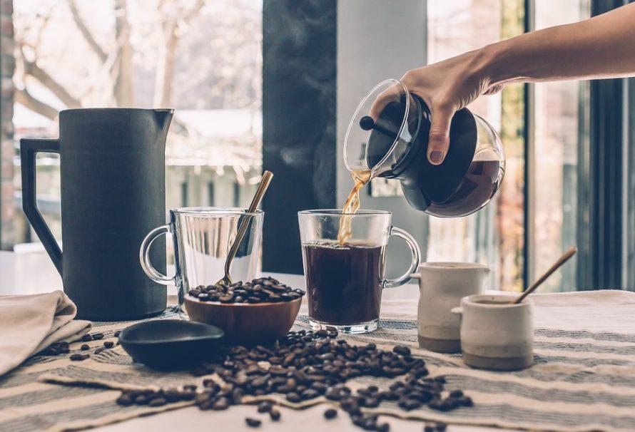 Káva adžezva – proč dát netypické konvičce šanci?