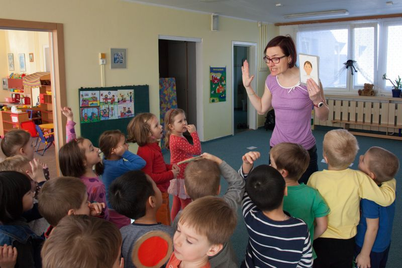 Kdy seznámit dítě s cizím jazykem – a jak na to, aby jej výuka bavila?