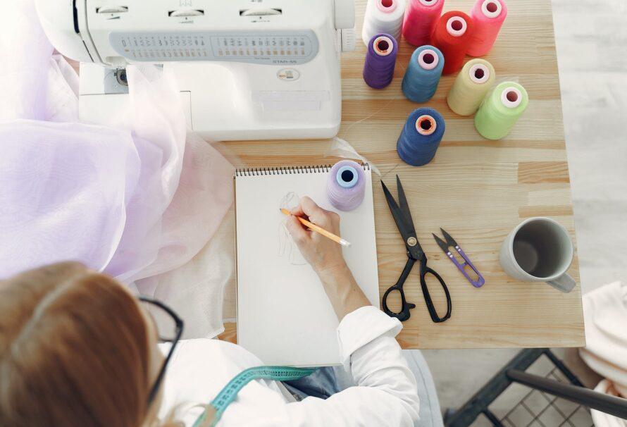 Jednobarevné látky 100% bavlna jsou nutností