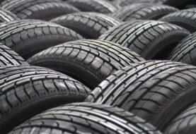 Kde se vzaly černé pneumatiky?