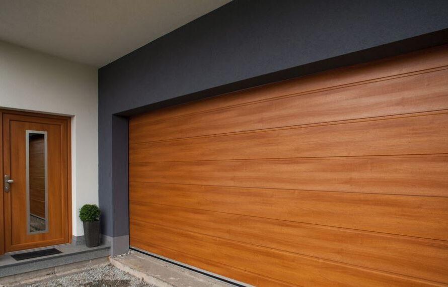 I garážová vrata mohou být designovým prvkem