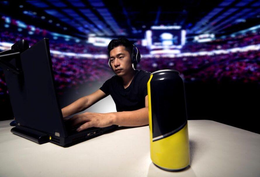 E-sport už dávno není jen pro počítačové geeky. Roste jeho sledovanost i hodnota